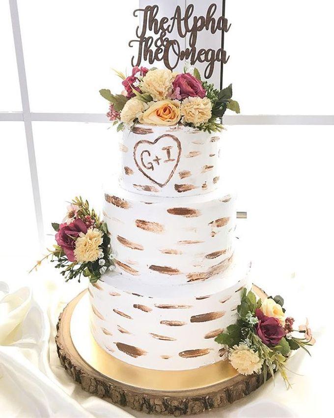 Birch Wood Wedding Cake by YUCA Creations - 003
