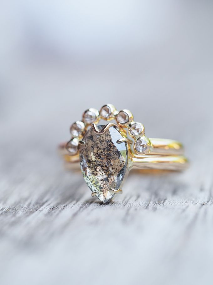 Alternative engagement rings by Gardens of the Sun - 011
