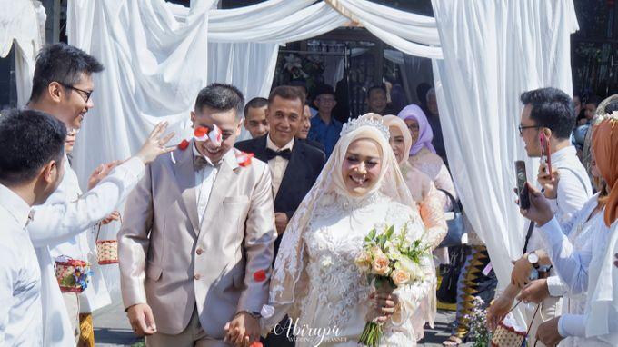 Poolside Wedding Party of Elvira & Irfan by Abirupa Wedding Planner - 021