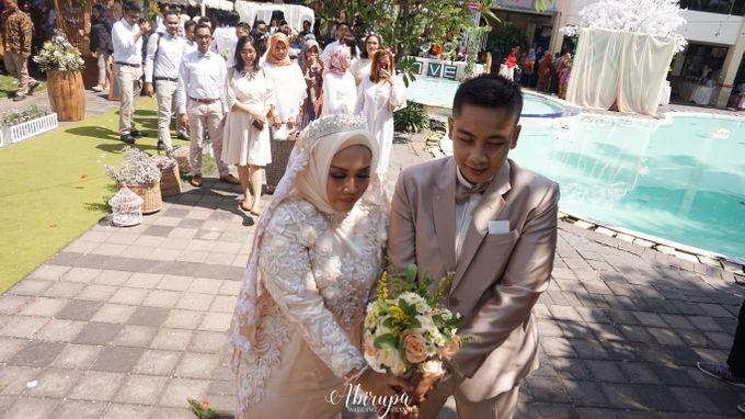 Poolside Wedding Party of Elvira & Irfan by Abirupa Wedding Planner - 027