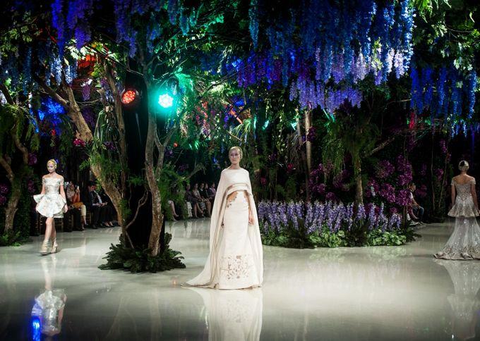 Fashion Show Sebastian Gunawan A Mid Summer Night Dream by Etcetera Lighting - 001