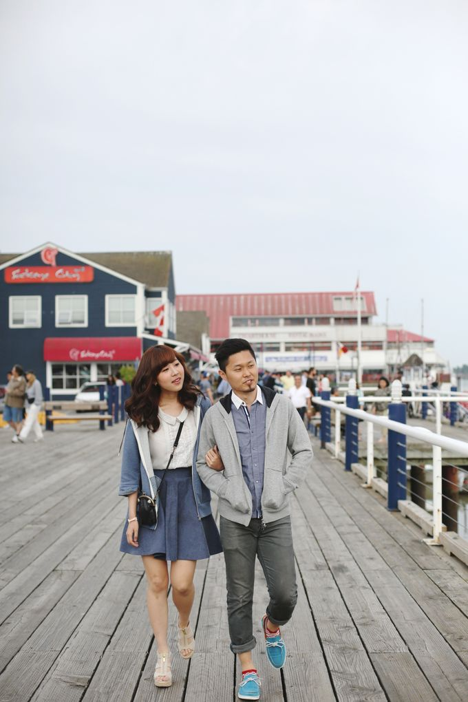 Engagement shoot at Steveston Richmond by Rebecca Ou Photography - 003
