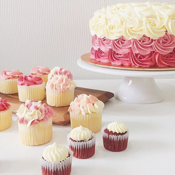 dessert table treats by The Rosette Co - 002