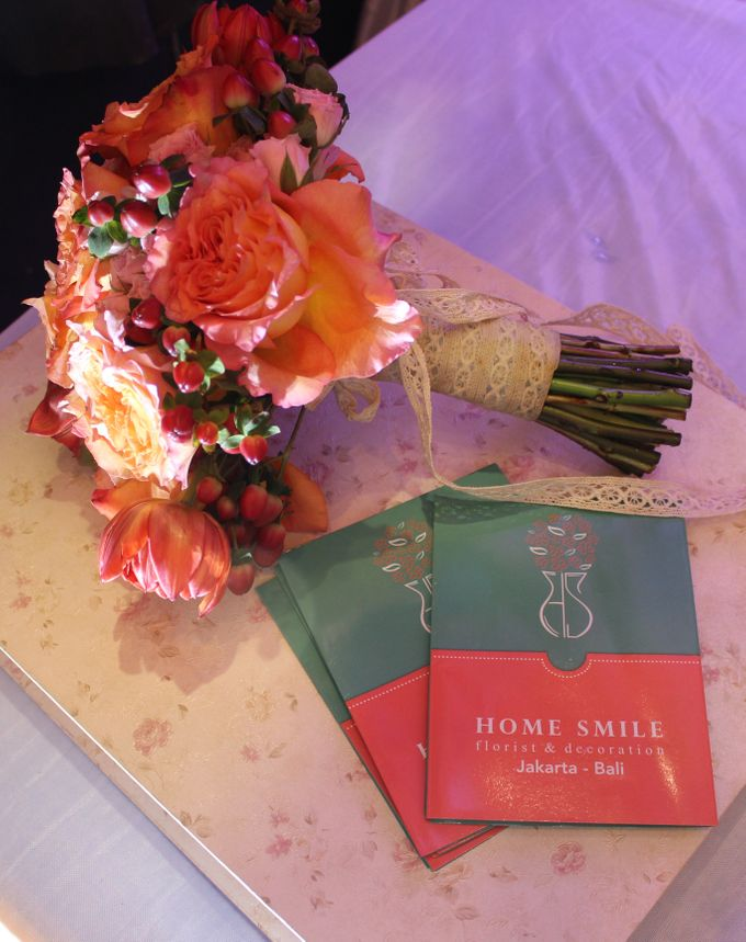 HAND BOUQUET & KORSASE by Home Smile Florist - 005