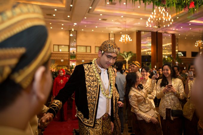 Dana & Brena Wedding by Akuwedding - 010