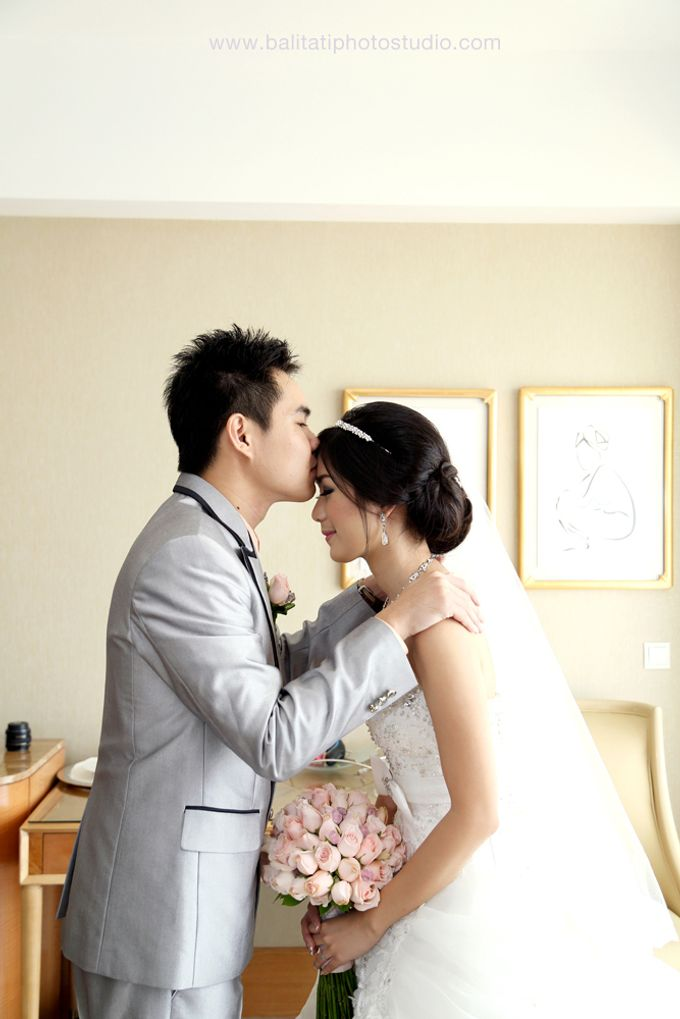 The Wedding of Ivan & Indah by Tati Photo - 019