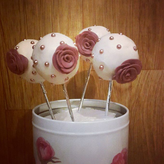 Flower Theme Cakes by Rolling Pin Sugar Art - 006