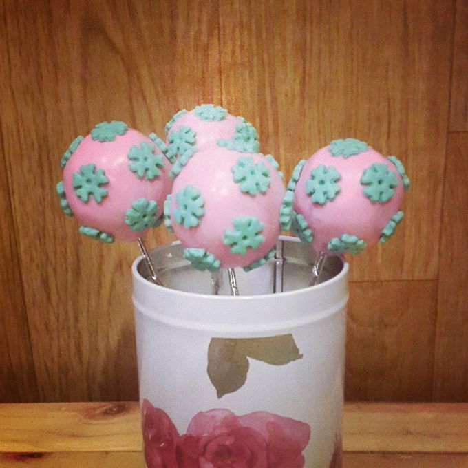 Flower Theme Cakes by Rolling Pin Sugar Art - 007