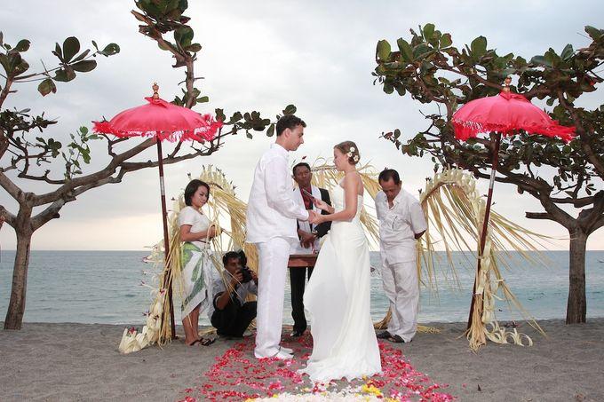 Beach Wedding by lombok wedding planner - 001