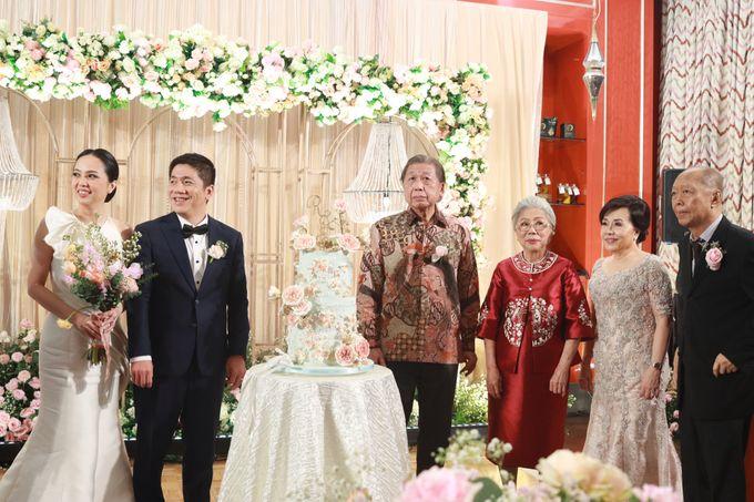 Fine Dinning Intimate entertainment wedding at Alto Restaurant Four Seasons Jakarta - Double V Entertainment by Hian Tjen - 025