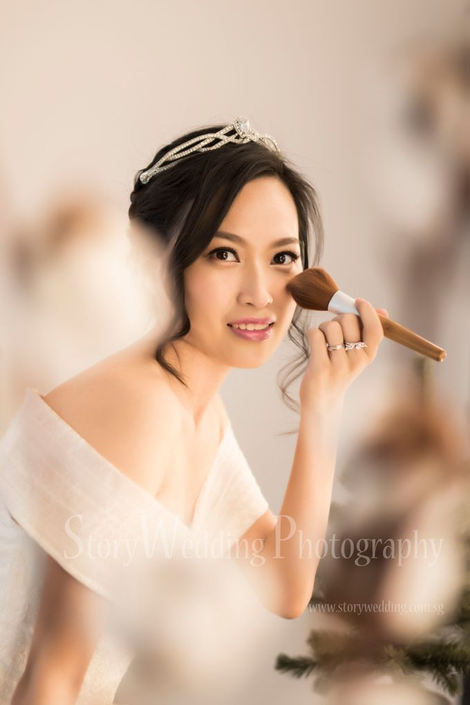 Brides by LING Chia Makeup & Hairstyling - 002