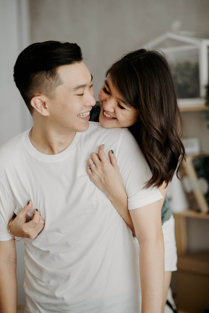 Intimate Indoor of Hendryc & Bianca by KIN Moments - 008