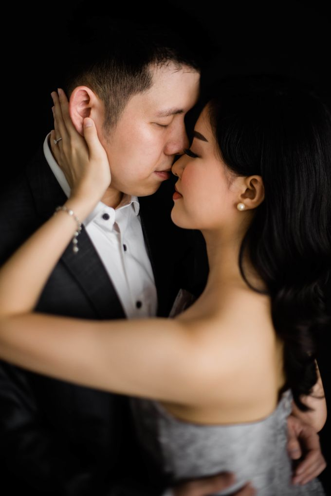 Intimate Indoor of Nata & Kristy by KIN Moments - 002