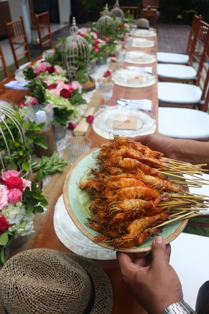 Table Set Up by Excelsior Bali Catering - 004