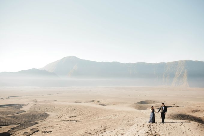 PRE - WEDDING SAMUEL & MERISA BY HENOKH WIRANEGARA by All Seasons Photo - 001
