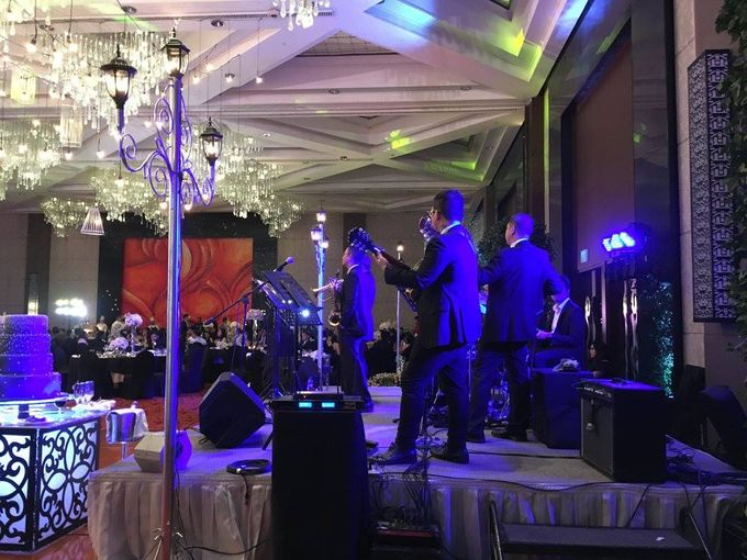 Paul and Robyn Wedding at Sofitel Manila Grand Ballroom by Orange Lights and Sounds Inc. - 004