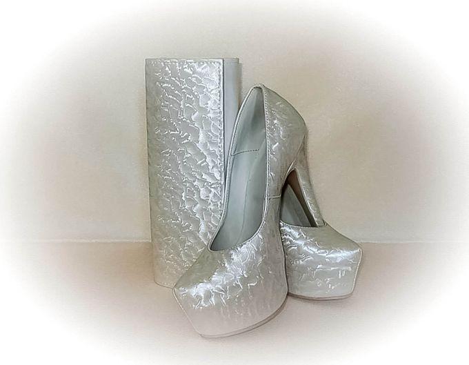 BRIDAL CLUTCHES by Pamela Falli - 015