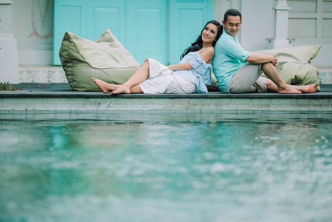 PRE - WEDDING ARA & OLIVIA BY HENOKH WIRANEGARA by All Seasons Photo - 004