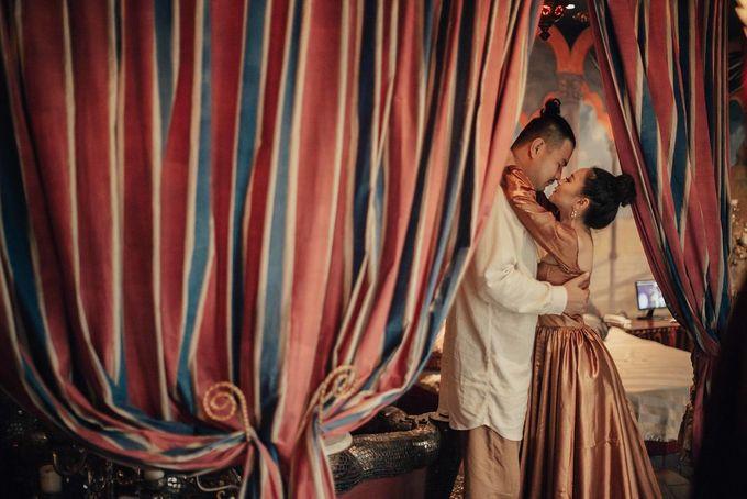 PRE - WEDDING EDWIN & YOMEDIKA BY RIO YAPARI by All Seasons Photo - 034