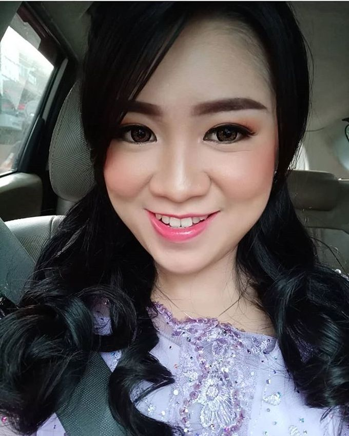 Graduation Makeup by Desy Lestari Makeup - 005
