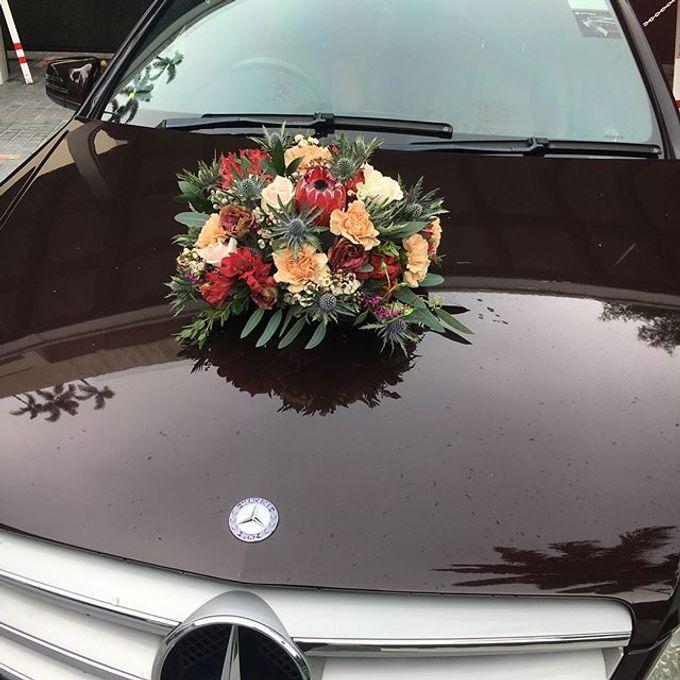 Bridal Car Decor  by La Fleur Société - 004