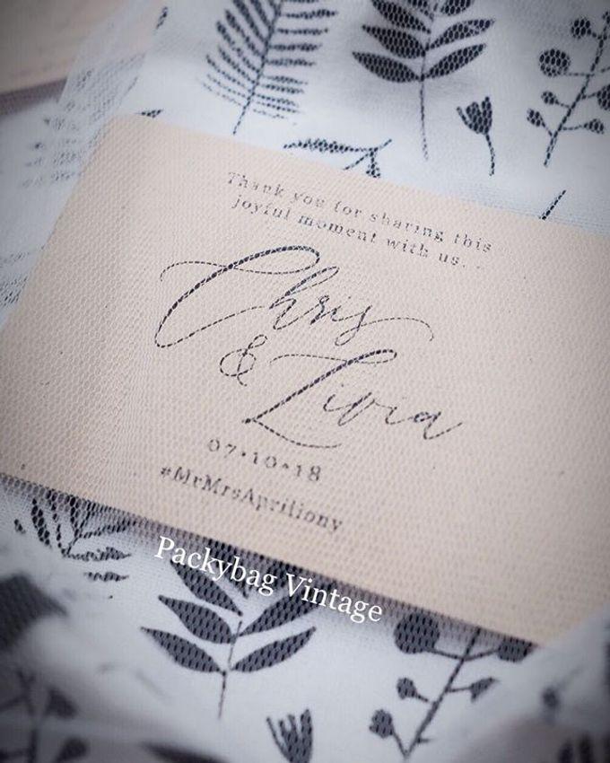 Livia & Chris Wedding by Packy Bag Vintage - 002