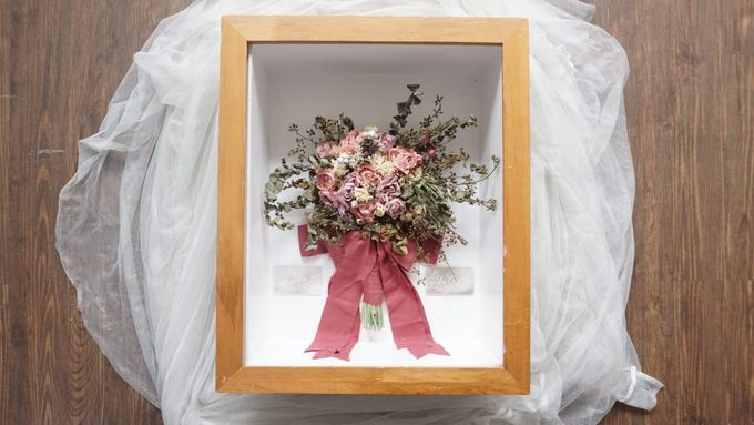 Signature of Bouquet 40x50 by Magnolia Dried Flower - 005