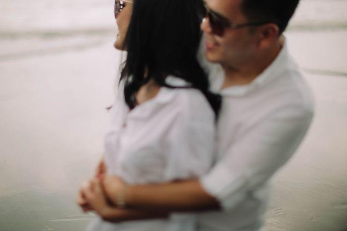 PRE - WEDDING DANIEL & KARINA BY HENOKH WIRANEGARA by All Seasons Photo - 033