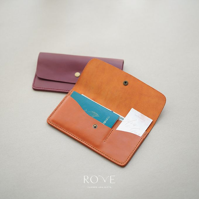 Aris & Gina - Custom Travel Wallet by Rove Gift - 002