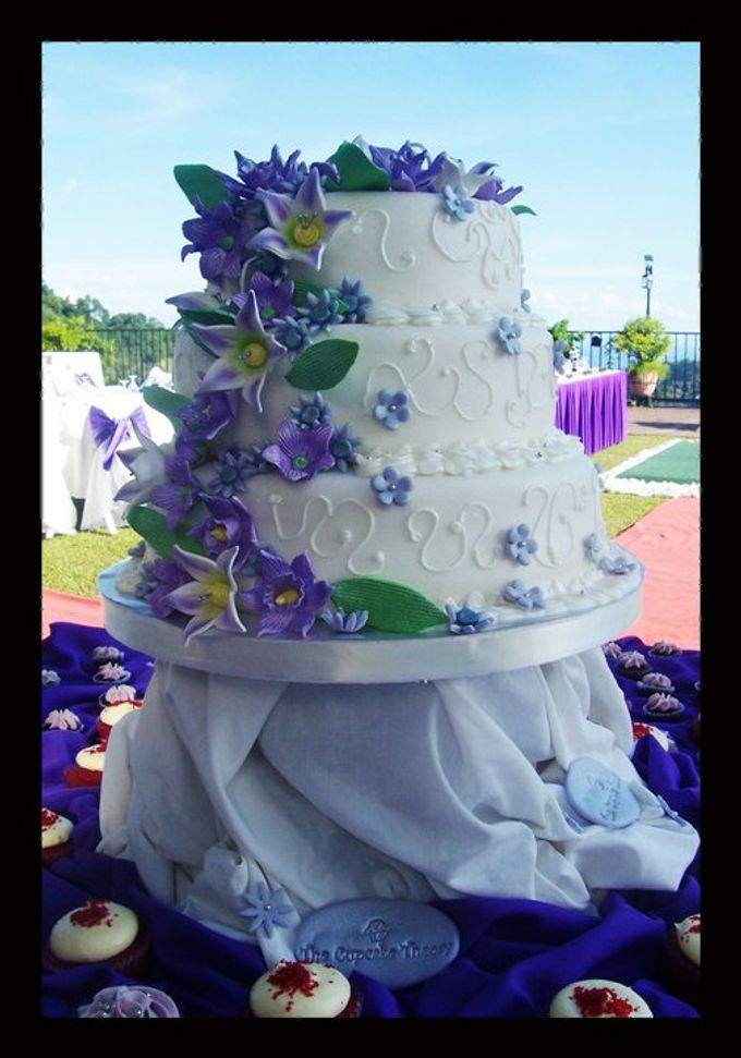 Wedding Cakes by The Cupcake Theory - 003