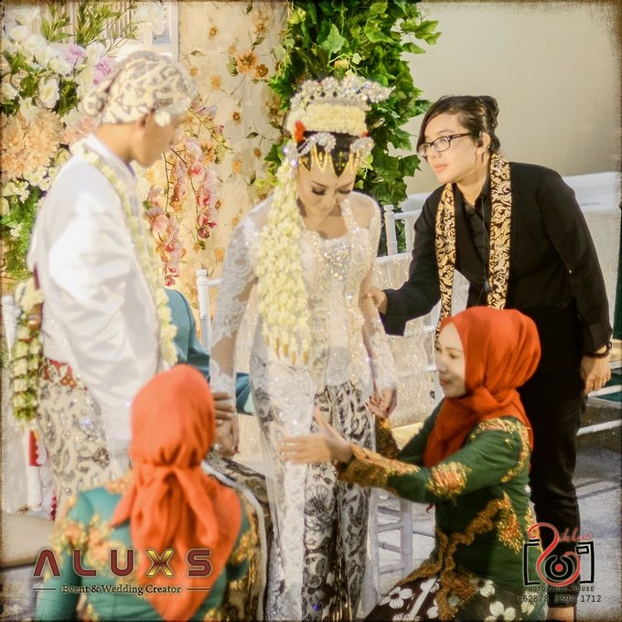 The Wedding of Santa & Khresna by Alux's Event & Wedding Creator - 007
