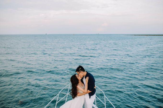 PRE - WEDDING MARVELL & VIONA  BY HENOKH WIRANEGARA by All Seasons Photo - 041