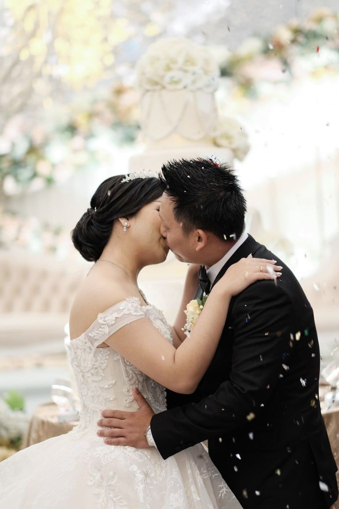 Wedding Of Noveanto & Widia by Ohana Enterprise - 006