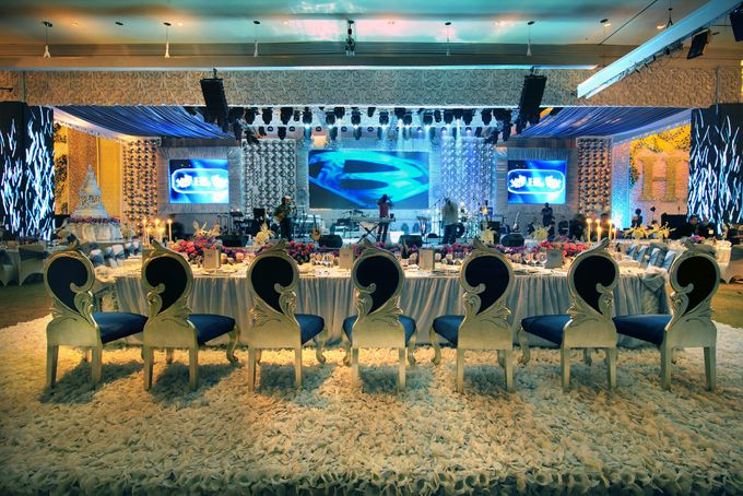 Silver Wedding Anniversary Ritz Carlton Pacific Place Jakarta by Suryanto Decoration - 002