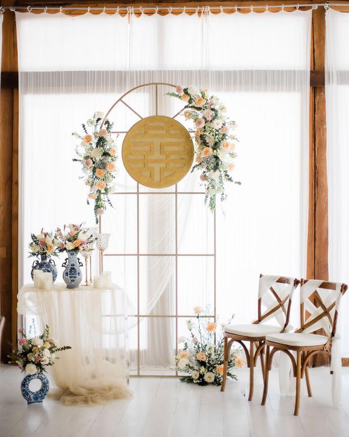 Elegant Vintage Coral Peach Palette for Willy and Luphyta Wedding at Plenilunio Villa Uluwatu by Bali Wedding Atelier - 011