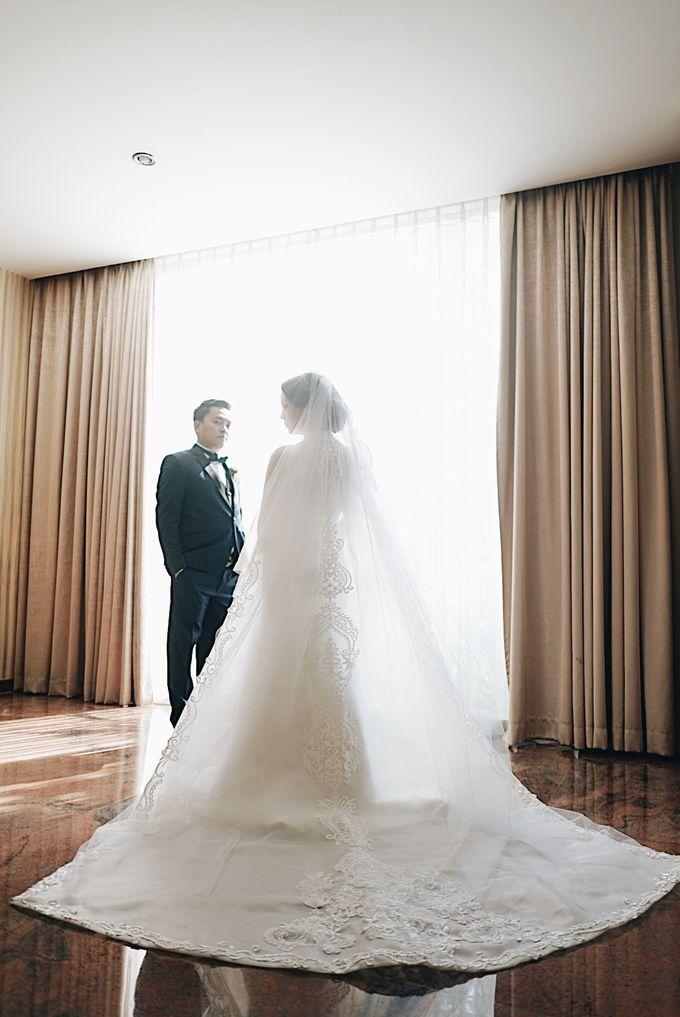 Aldi & Windy Wedding Day by Atelier de Marièe - 003