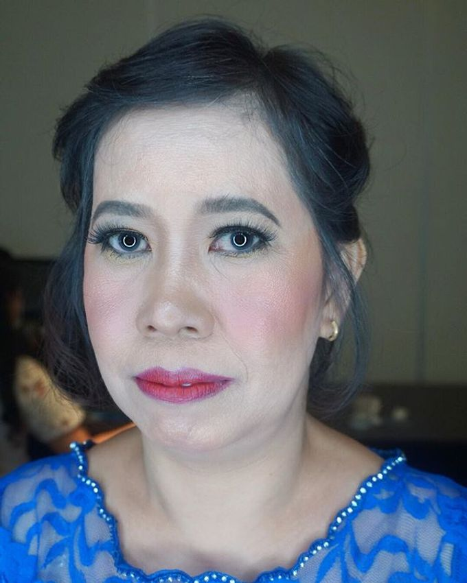 Tante of Groom Makeup by Mirawanti Hairdo by Team by MRS Makeup & Bridal - 001