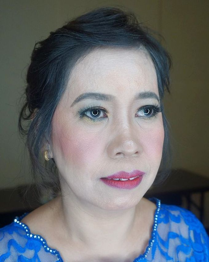 Tante of Groom Makeup by Mirawanti Hairdo by Team by MRS Makeup & Bridal - 003