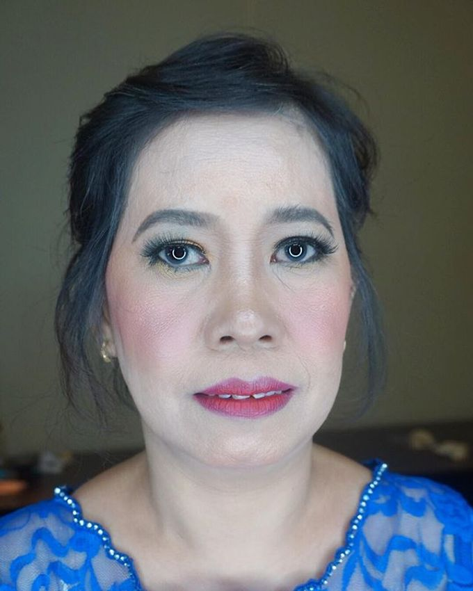 Tante of Groom Makeup by Mirawanti Hairdo by Team by MRS Makeup & Bridal - 002