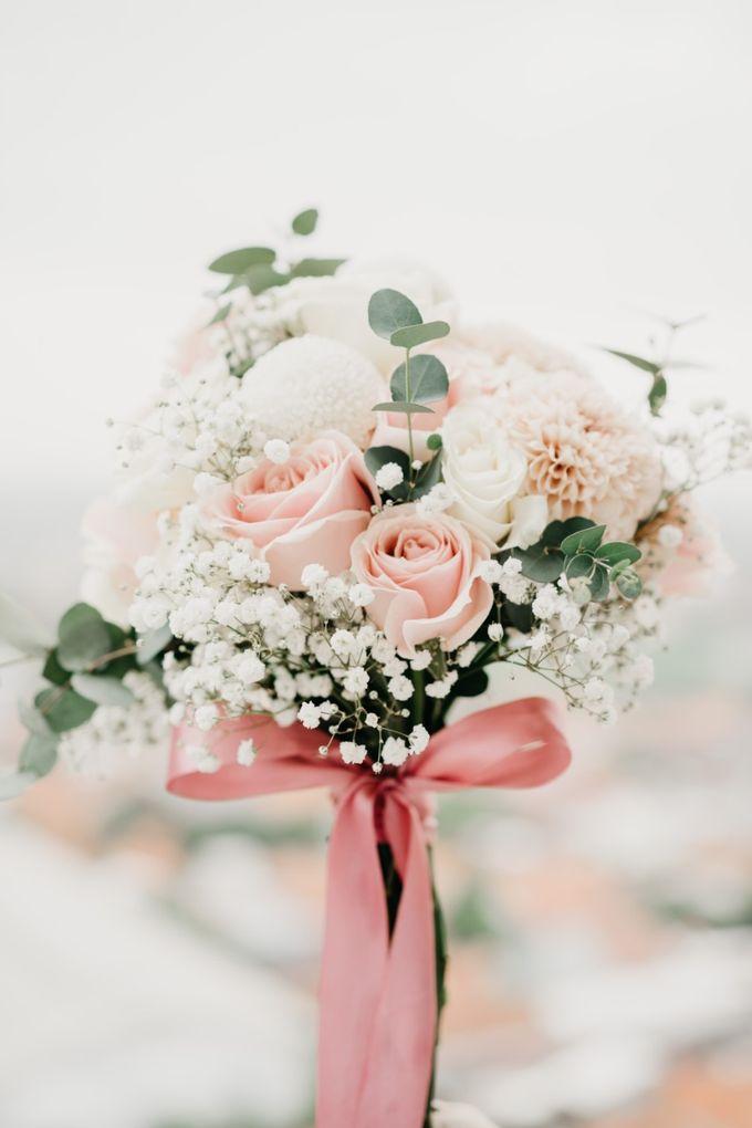 The Wedding of Bella & Ryan by Benoite Florist - 005