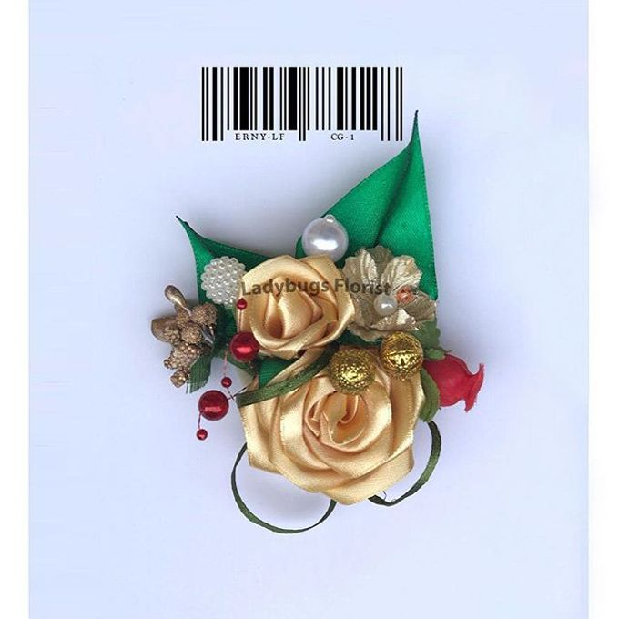Groom Boutonnieres by ladybug florist - 008