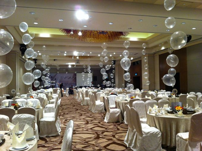 Ballroom Table Centerpieces by Balloon Blasters - 003