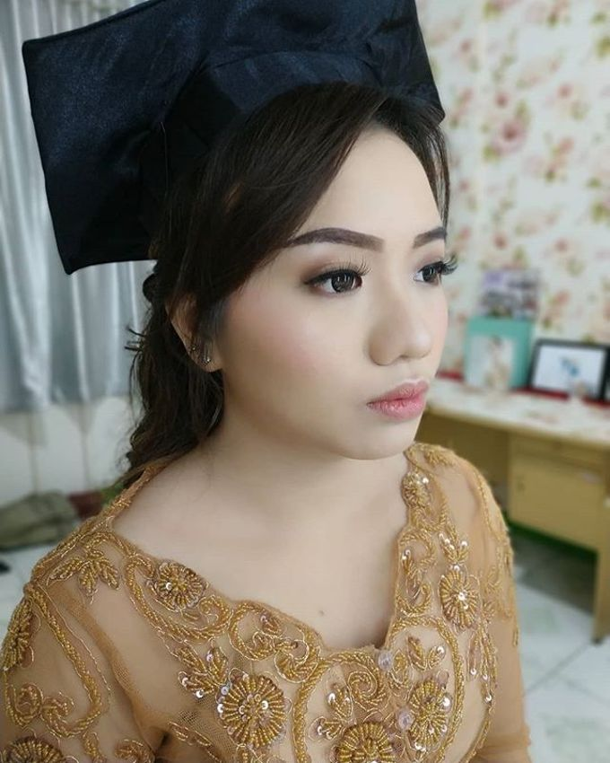 Graduation Makeup by Desy Lestari Makeup - 010