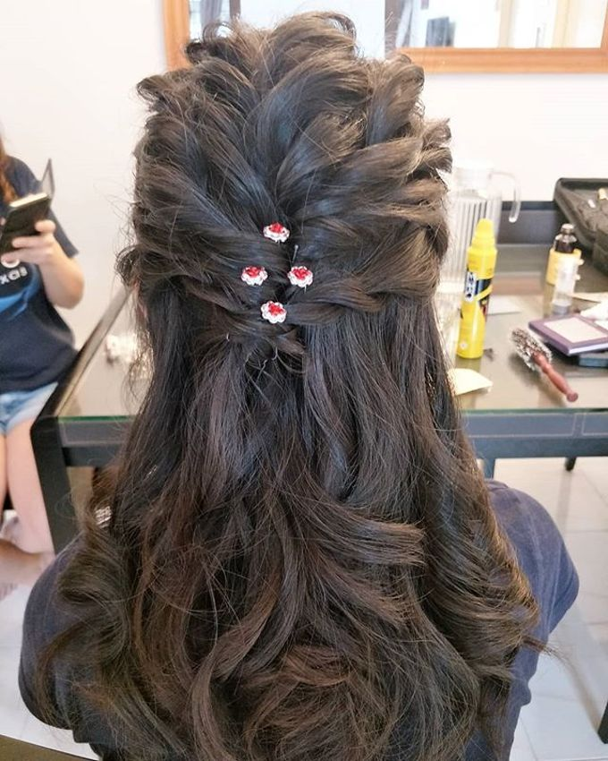 Hairstyling By Lili by Lili Makeup Specialist - 003