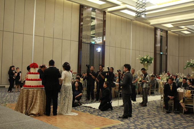 Mc Entertainment Wedding Sheraton Gandaria - Anthony Stevven  with Double V Entertainment Jakarta by Anthony Stevven - 016