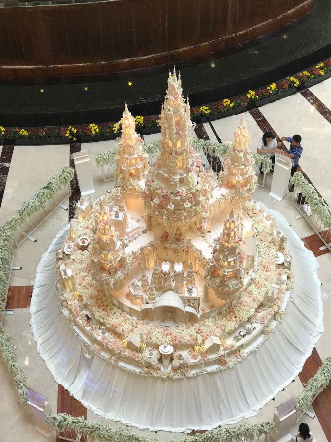 Masterpiece and Signature Wedding Cakes by LeNovelle Cake - 030