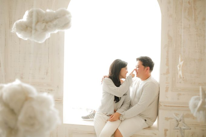 PRE - WEDDING SAMUEL & MERISA BY HENOKH WIRANEGARA by All Seasons Photo - 036