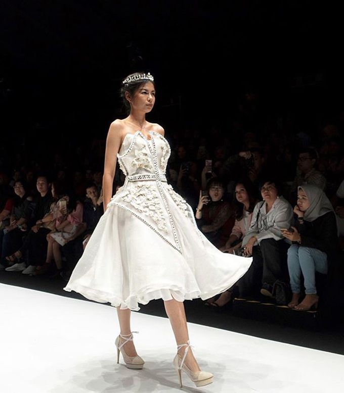 Bridal Gowns - JFW BLOOM COLLECTIONS by Angelina Monica - 001
