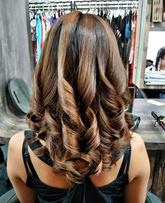 Hairstyling By Lili by Lili Makeup Specialist - 009
