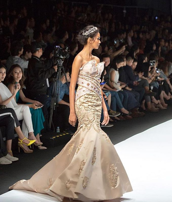 JFW 19 COLLECTIONS - BLOOM by Angelina Monica - 004